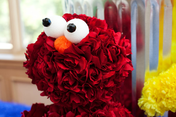 Awesome Elmo Flower Decoration