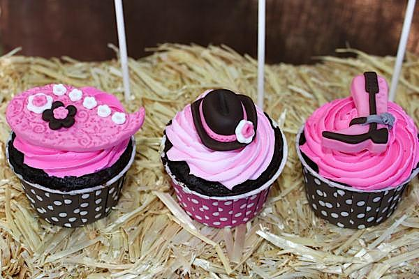 Cowgirl Party Cupcakes | Cowgirl Party Ideas
