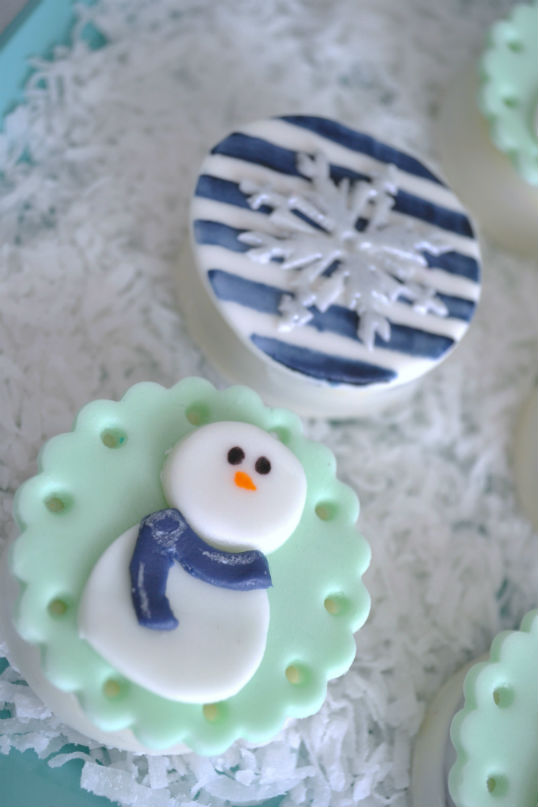 Snowman and Snowflake Oreos