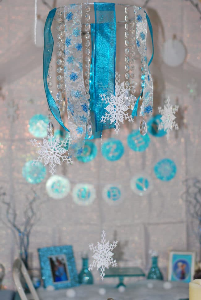 Easy Frozen DIY Party Decoration