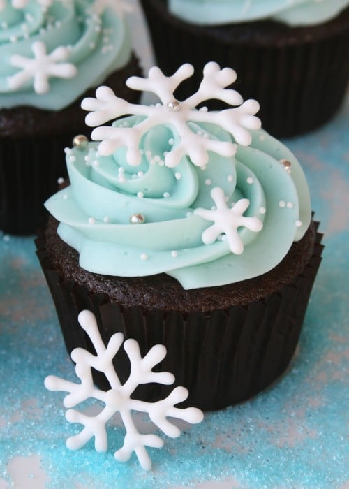 Snowflake Cupcakes - Frozen Birthday Party Ideas