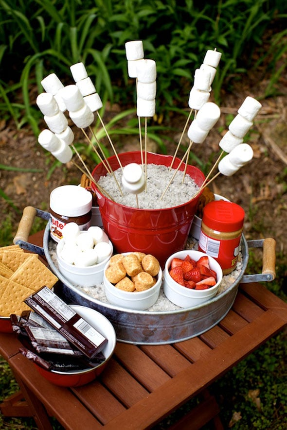 S'mores Station - Summer Entertaining Hacks