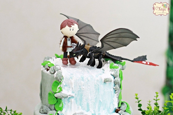 How to train your dragon party pretty my party how to train your dragon cake topper ccuart Gallery
