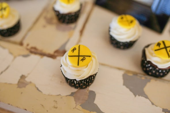 train-party-cupcakes