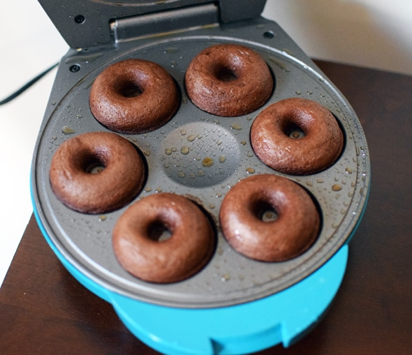 easy-chocolate-donuts
