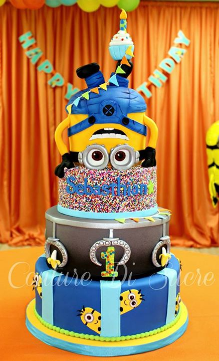 Amazing Minion Birthday Cake