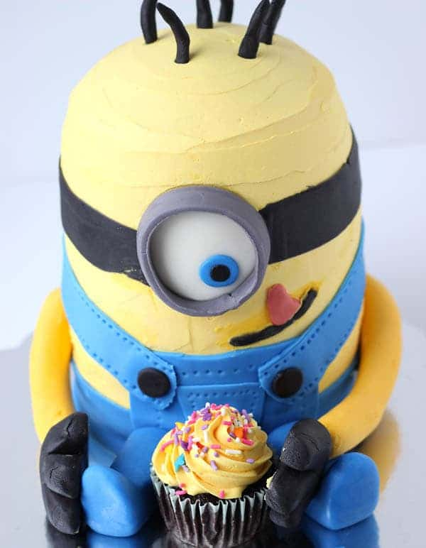 10 Amazing Minion Birthday Cakes Pretty My Party Party Ideas