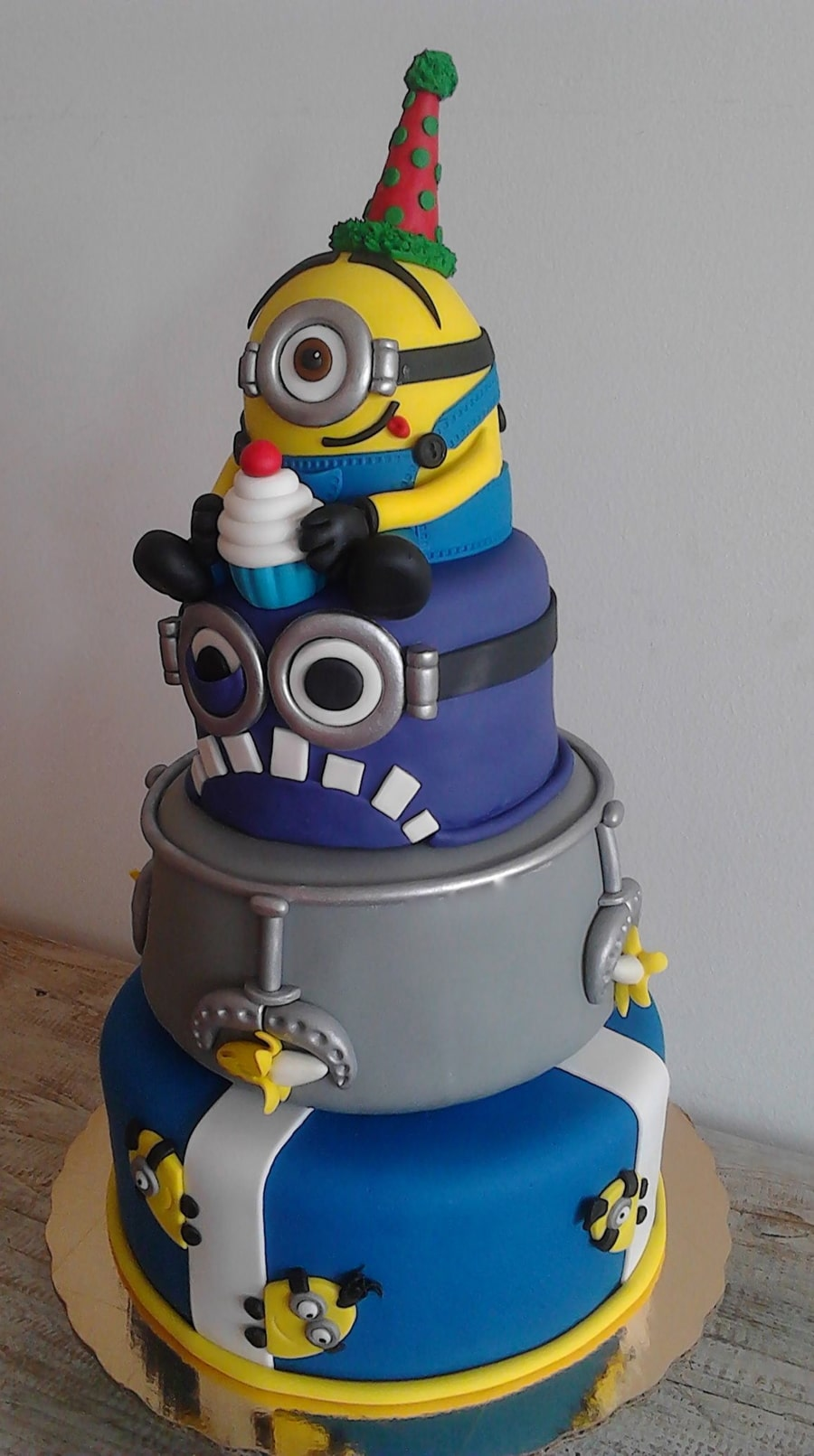 Three Tiered Minion Birthday Cake Cakes By Nona