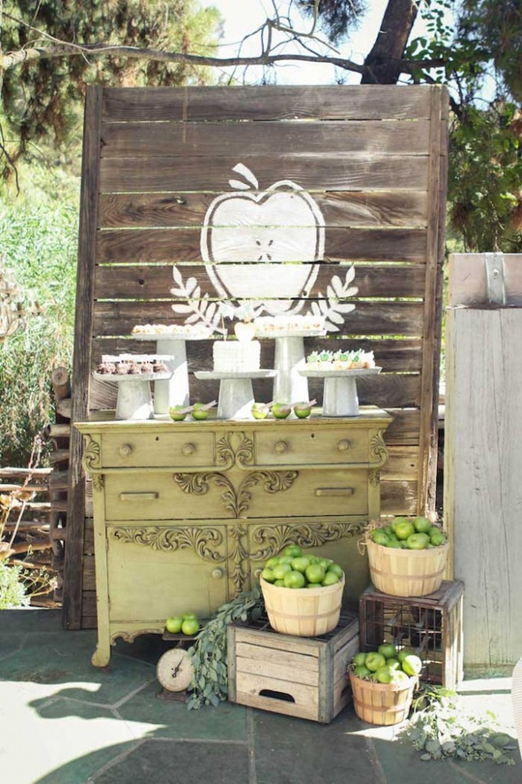 rustic-fall-apple-baby-shower-dessert-table