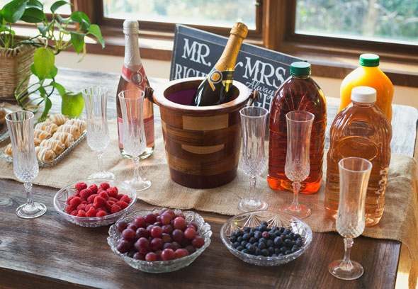 5 ideas for a champagne brunch bridal shower for Bridal shower kitchen tea ideas fashion