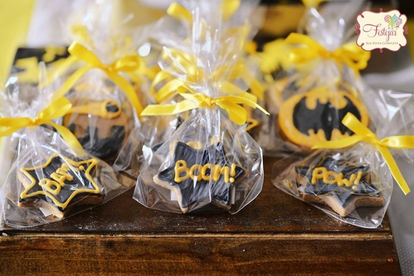 batman-cookie-favors