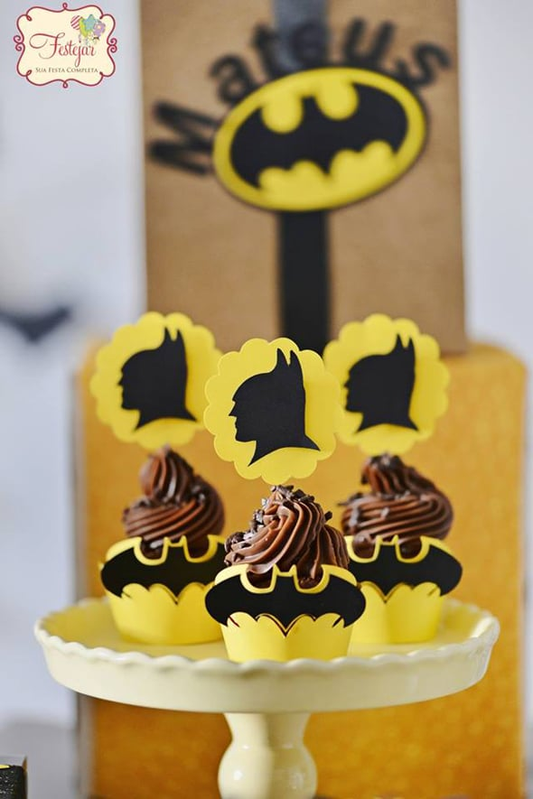 batman-party-cupcakes
