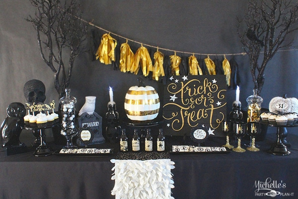 black-gold-halloween-party-table_edited-1