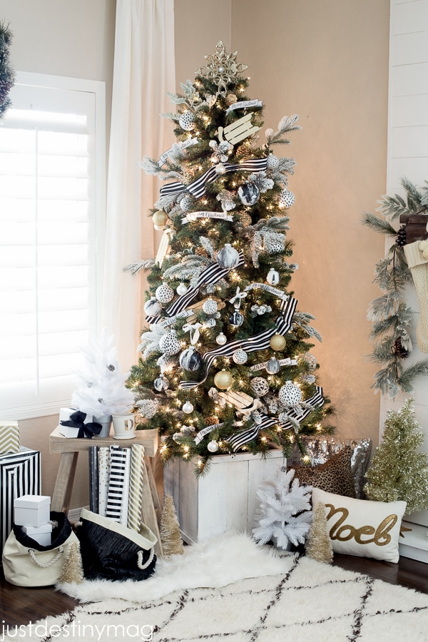 Black-and-White-Christmas-Trees