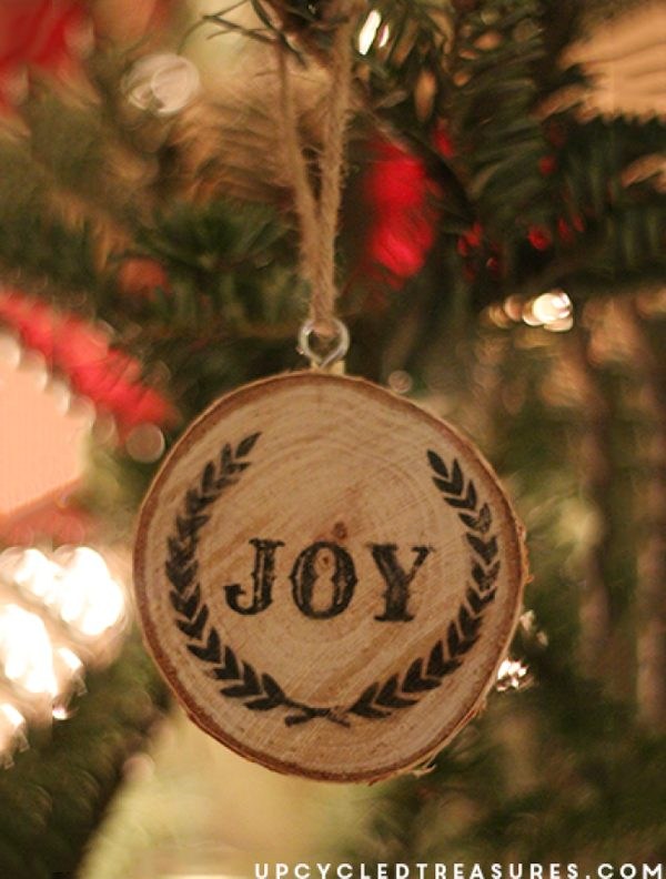 DIY Wood Slice Ornament - 25 Super Creative DIY Ornaments