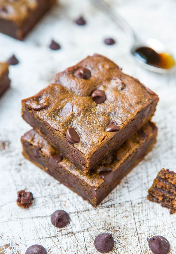 gingerbread-molasses-chocolate-chip-bars