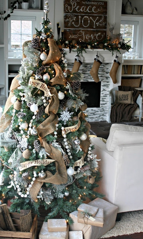 natural-woodsy-christmas-tree