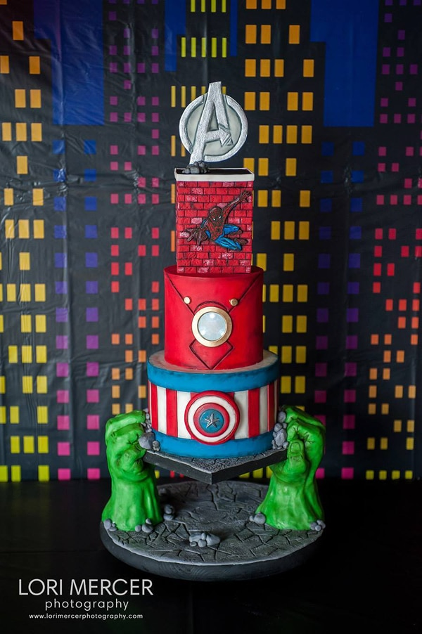 10 Awesome Marvel Avengers Cakes - Pretty My Party