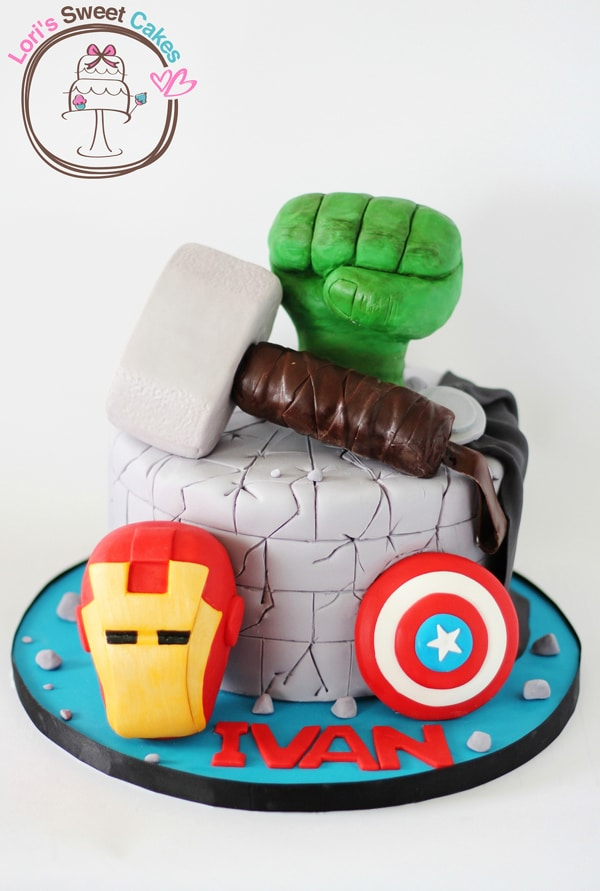 10 Awesome Marvel Avengers Cakes