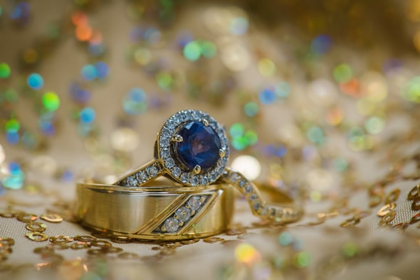 blue-engagement-ring