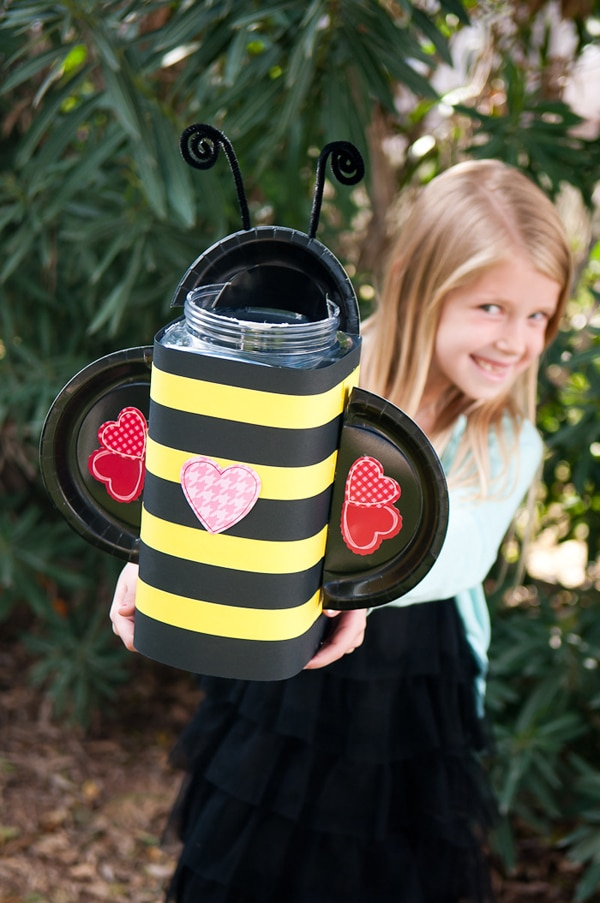 Bumble bee valentine card box