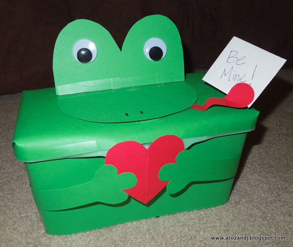 DIY frog valentine box