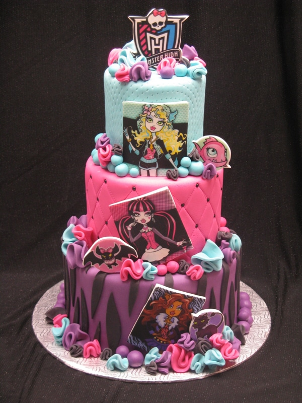 10 Cool Monster High Cakes Pretty My Party Party Ideas
