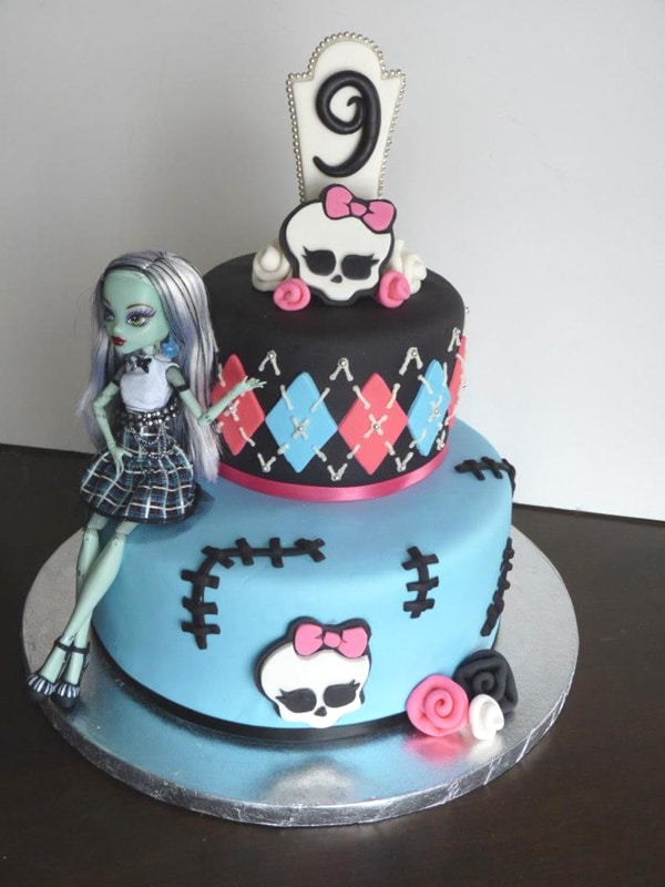 Excellent 10 Cool Monster High Cakes Pretty My Party Party Ideas Funny Birthday Cards Online Fluifree Goldxyz