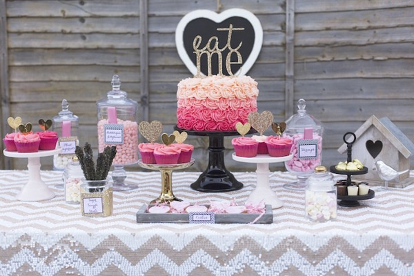 pink-gold-valentines-day-dessert-table