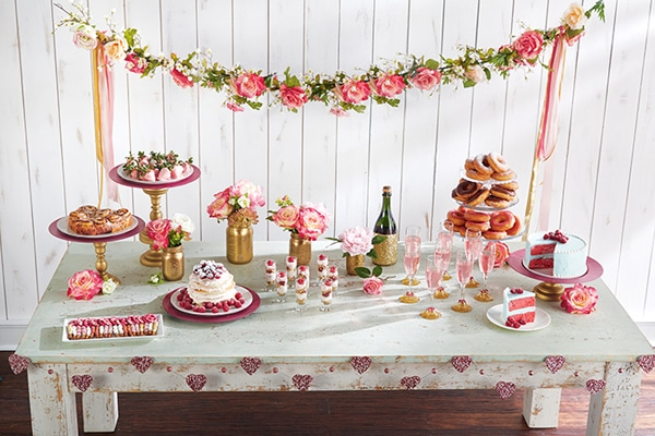 valentine-brunch-dessert-table