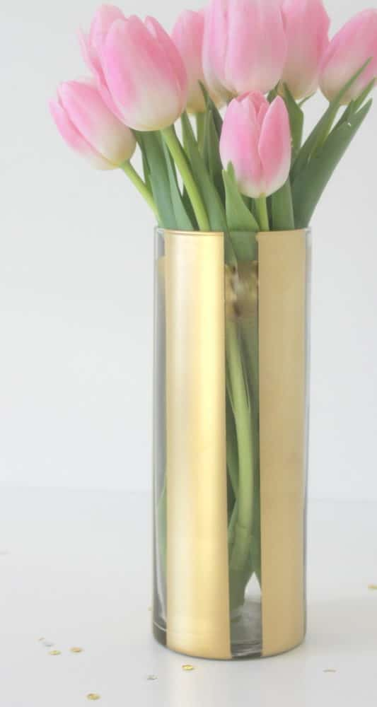 diy-painted-flower-vase-spring