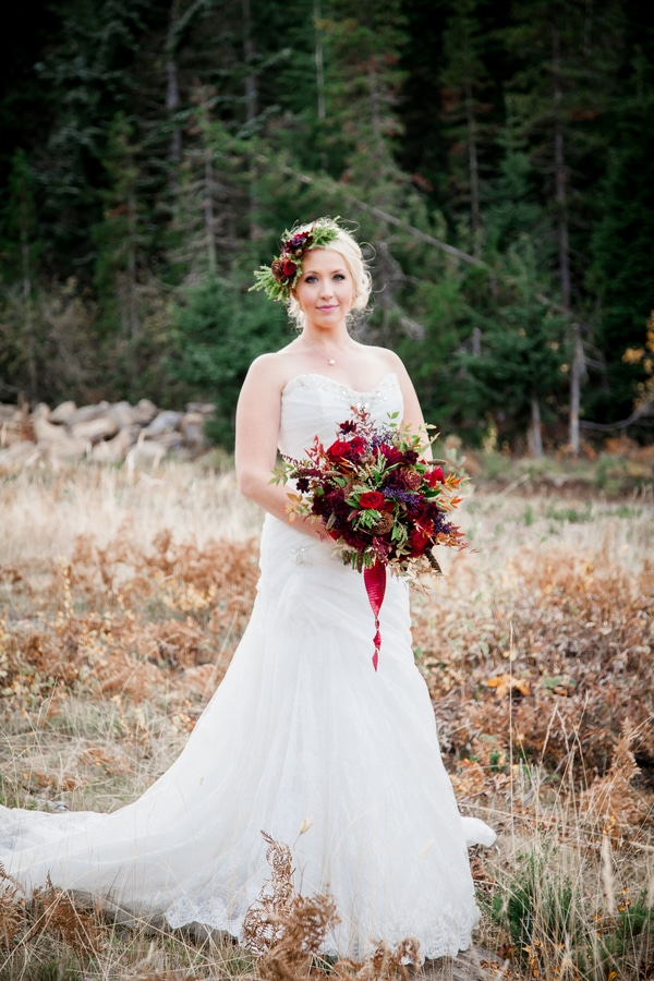 rustic-ski-lodge-wedding-bridal-accessories