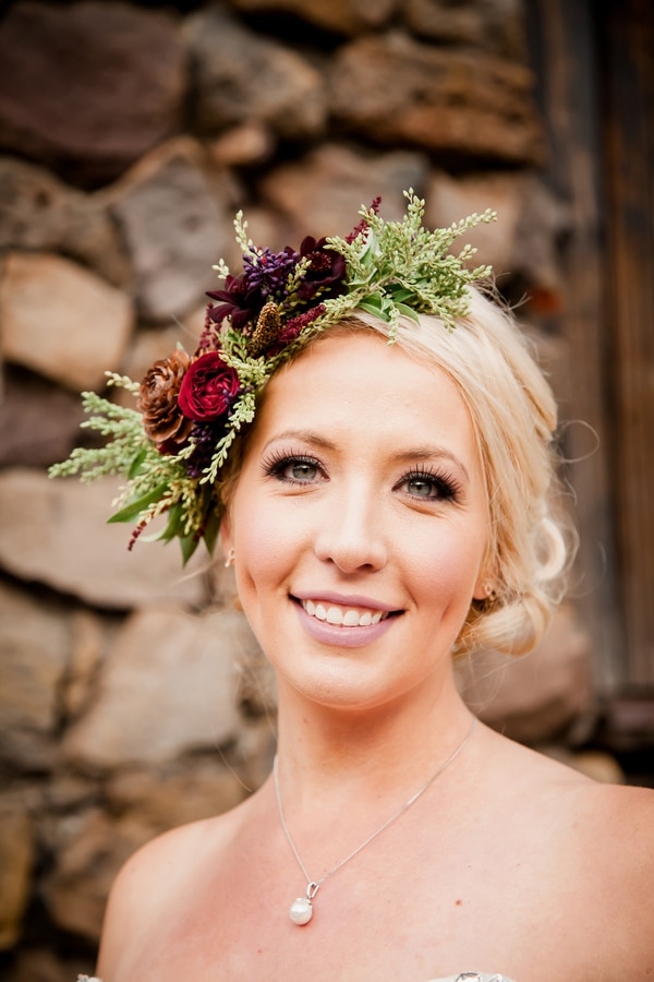 rustic-ski-lodge-wedding-bride-beauty