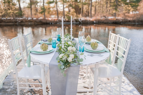 turquoise-white-styled-shoot-table-2