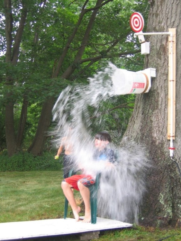 DIY Outdoor Dunk Bucket, Fun Party Games