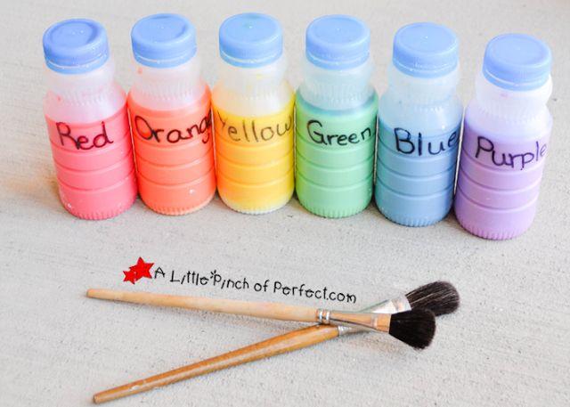 Sidewalk Chalk Paint, 10 Ways to Entertain Kids at Birthday Parties via Pretty My Party