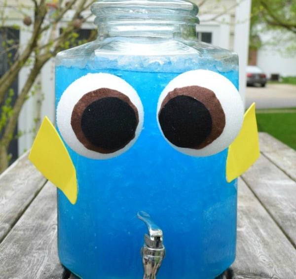 Dory Blue Drink Recipe, Finding Dory Birthday Party Ideas | Pretty My Party