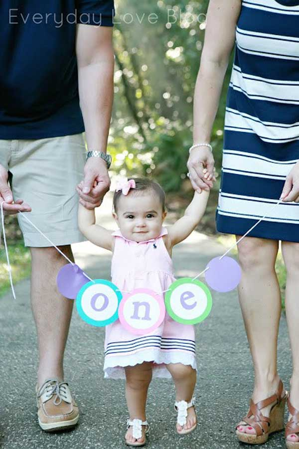 10 Must Get Pictures At A Childs First Birthday