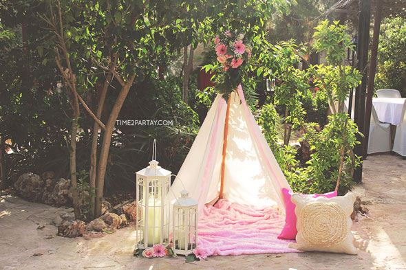 Baby-Shower-Dream-Catcher-Teepee