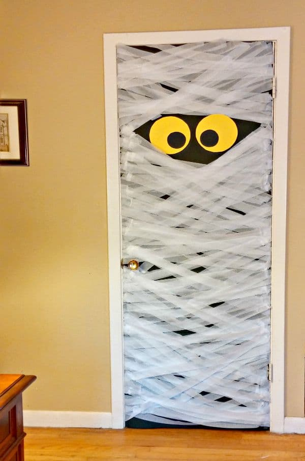 8 Fun Halloween Door Ideas - Halloween Door Decorations