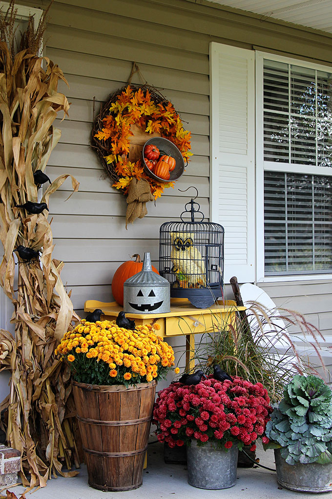10 fall porch decorating ideas pretty my party party ideas - Fall porch decorating ideas ...