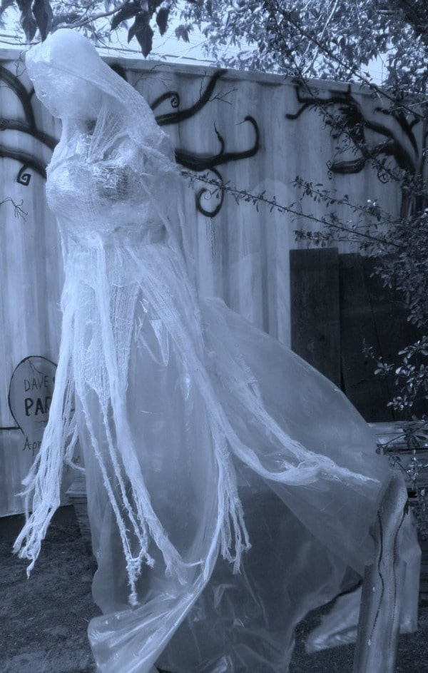Diy Scary Halloween Props.10 Packing Tape Ghost Ideas Diy Halloween Decorations