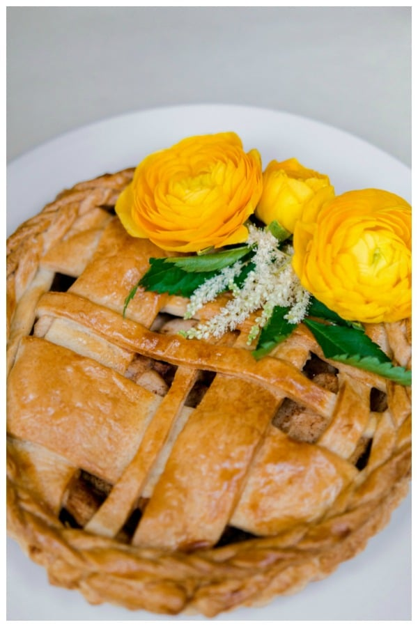 Whimsical Outdoor Baby Shower pie via Pretty My Party