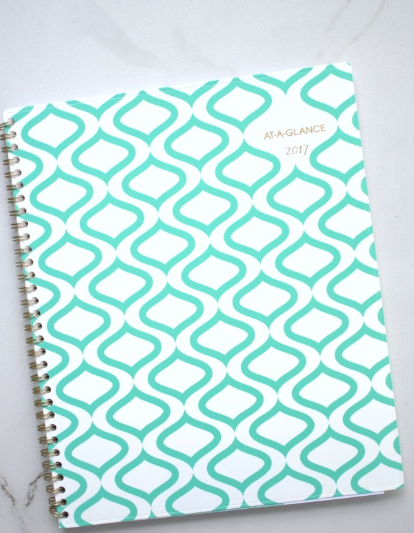How I keep life organized with a good planner | Pretty My Party
