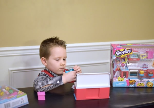 Encourage Imaginative Play this Holiday with Shopkins | Pretty My Party