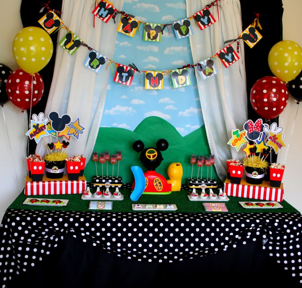 40 mickey mouse party ideas mickey 39 s clubhouse pretty my party. Black Bedroom Furniture Sets. Home Design Ideas