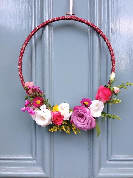 8+DIY Hula Hoop Wreath Projects| Hula Hoop Wreath, DIY Wreath, DIY Wreath for Front Door Easy, Easy Hula Hoop Wreath, DIY Wreath Projects