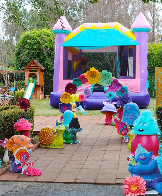 20 Terrific Trolls Party Ideas