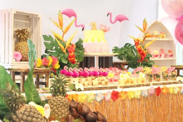 Tropical Hawaiian Flamingo Party Ideas