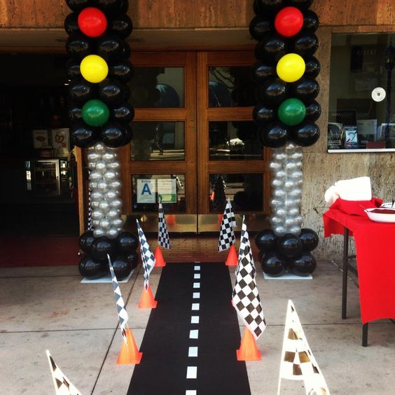 21 blaze and the monster machines party ideas pretty my for Balloon decoration machine